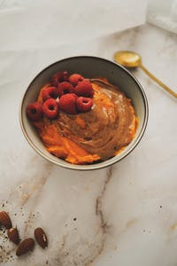 Sweet mashed pumpkin with almond butter