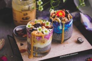 Pudding multicolore aux graines de chia