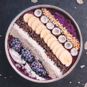 Smoothiebowl myrtille et gingembre