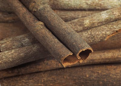 The process of transforming the cinnamon bark into a cinnamon stick is done by hand: the tree bark is separated from the tree and then freed from its outer...