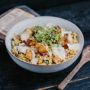 Quinoa bowl with smoked tofu