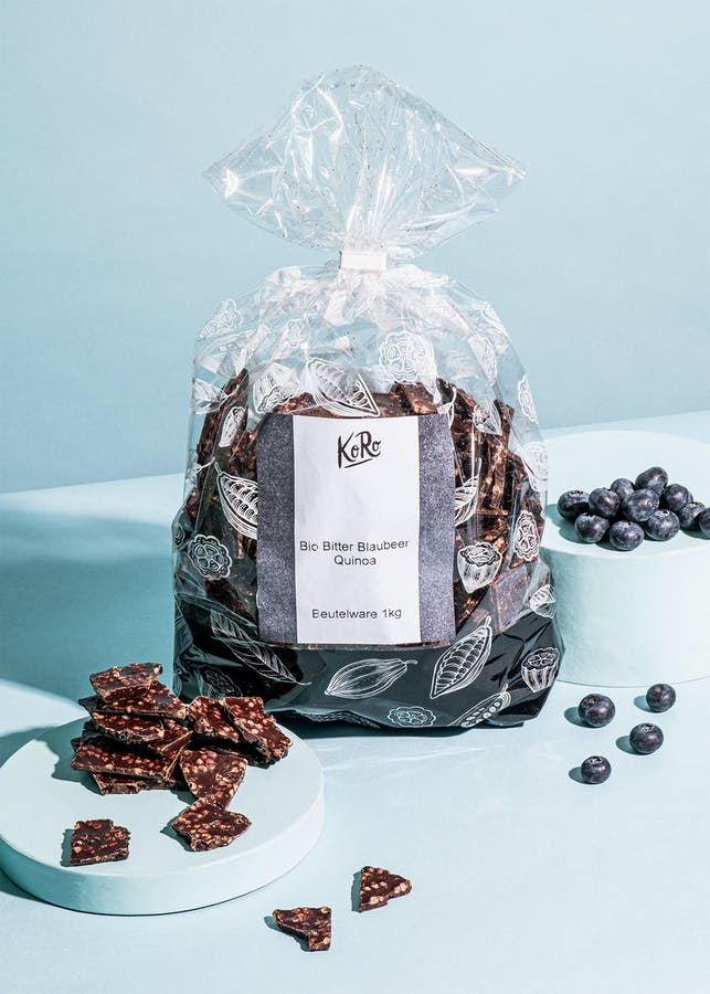 Organic chocolate shards with blueberries and quinoa 1 kg