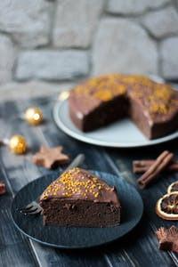 Gingerbread and brownie cake