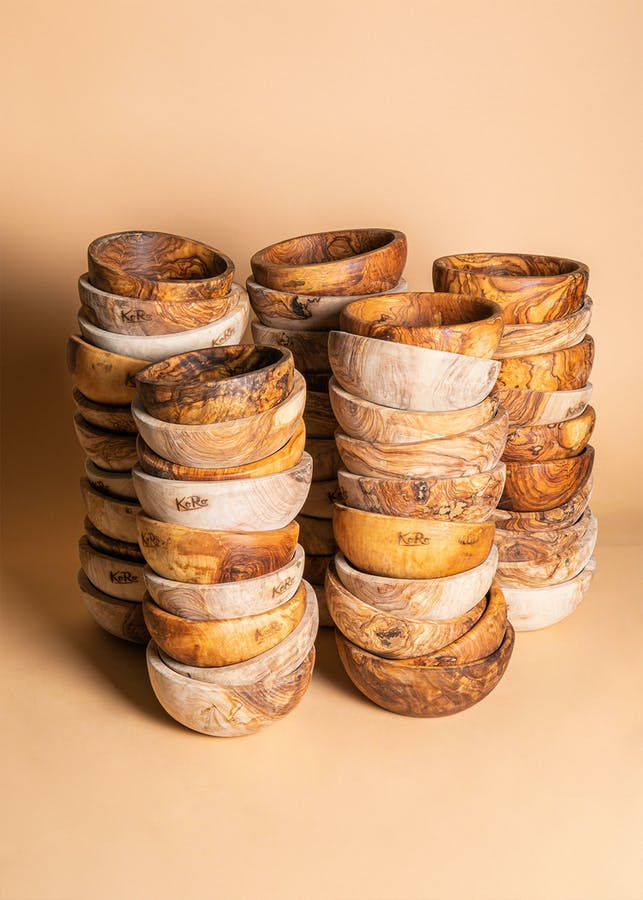 Bowls made of olive wood 18 x 7 cm 50 pieces