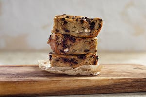 Chocolate Chip-Hazelnut-Blondies