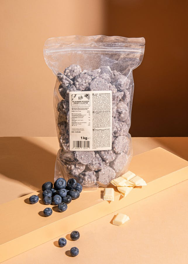 Blueberry and rice crispies clusters with white chocolate 1 kg