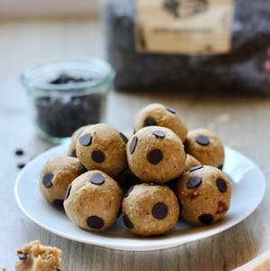 Vegane Cookie Dough Bällchen