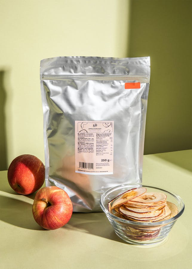 Red apple chips 250 g