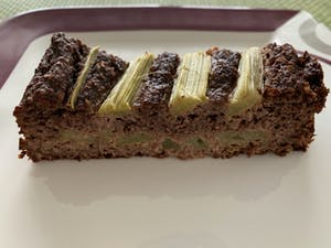 Rhubarb-chocolate cake