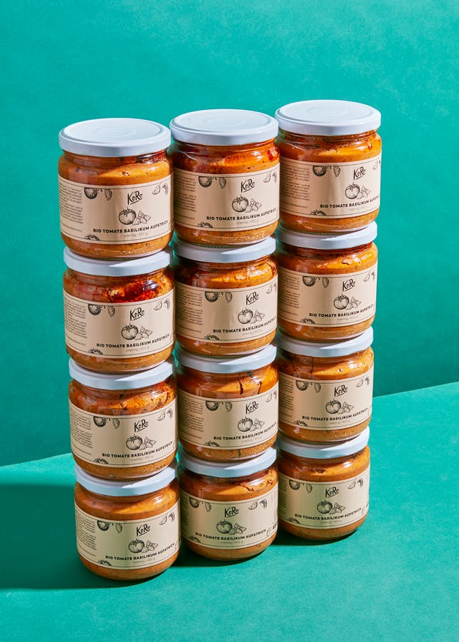 Organic tomato and basil spread 12 x 400 g