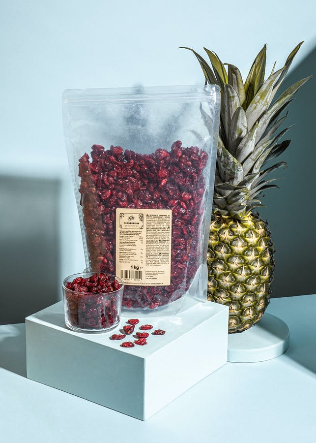 Dried cranberries sweetened with concentrated pineapple juice | 1kg
